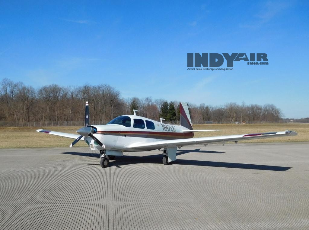 1975 Mooney M20C - N147EB