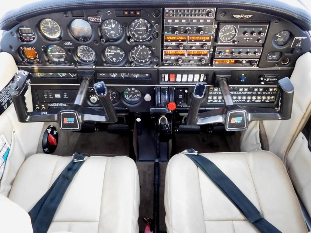 1985 Piper Archer II - N25030